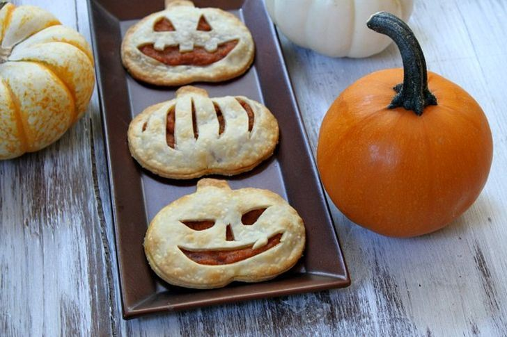 Pumpkin Pie Pop Tarts froma Recipe Girl